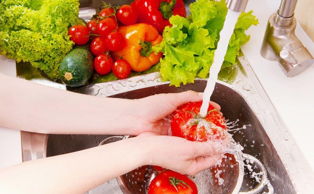 Tips Agar Terhindar Dari Keracunan Makanan