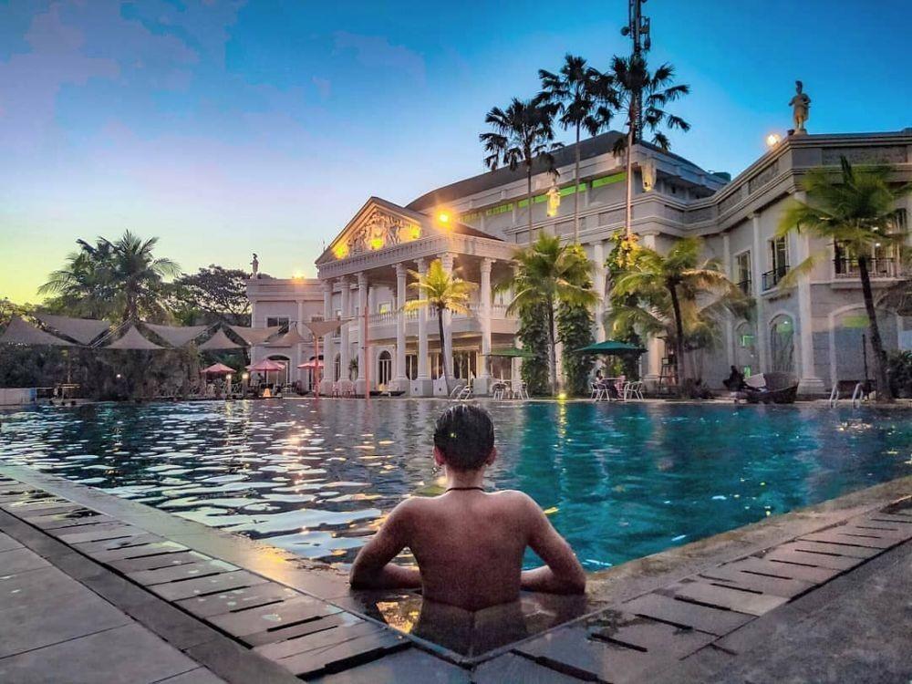 Rekomendasi Kolam Renang Yang Seru Di Surabaya